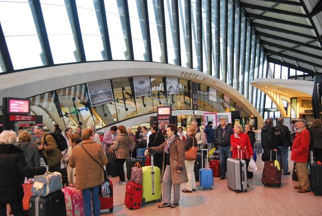 Estación de Lyon Saint Exuoery del TGV (Tren de Alta Velocidad).