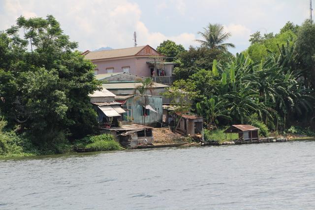 Casas típicas al lado del agua.