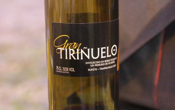 Vino Tiriñuelo de uva rufete + tempranillo.
