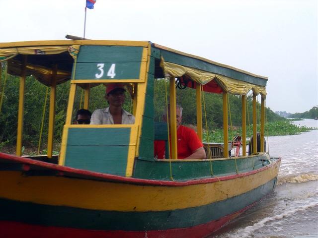 Nos cruzamos con barcos que van en dirección contraria.