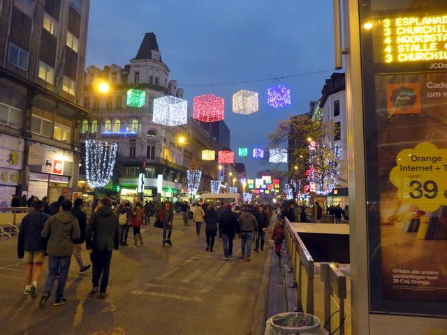 Iluminación navideña en la Plaza de la Bolsa.