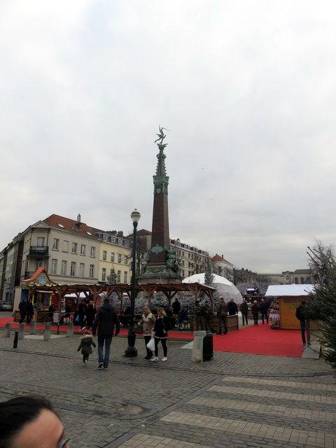La columna/fuente de Anspach. Bruselas